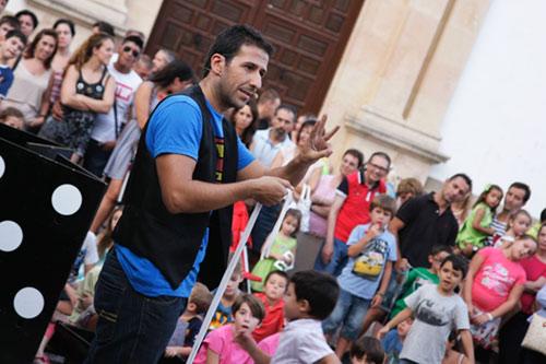 Actuación del Mago Fran Qué en Málaga.